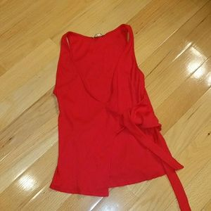 Express ribbed wrap tank top. L. Red.